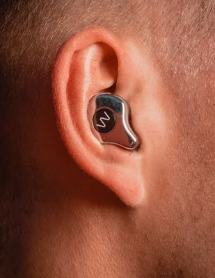 Wave Pro in ear